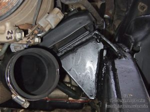 Near side engine mount